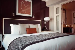 Con cuánta anticipación conviene reservar hotel